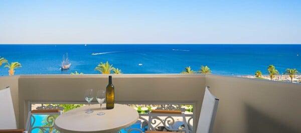 Deluxe Room Sea View - Balcony