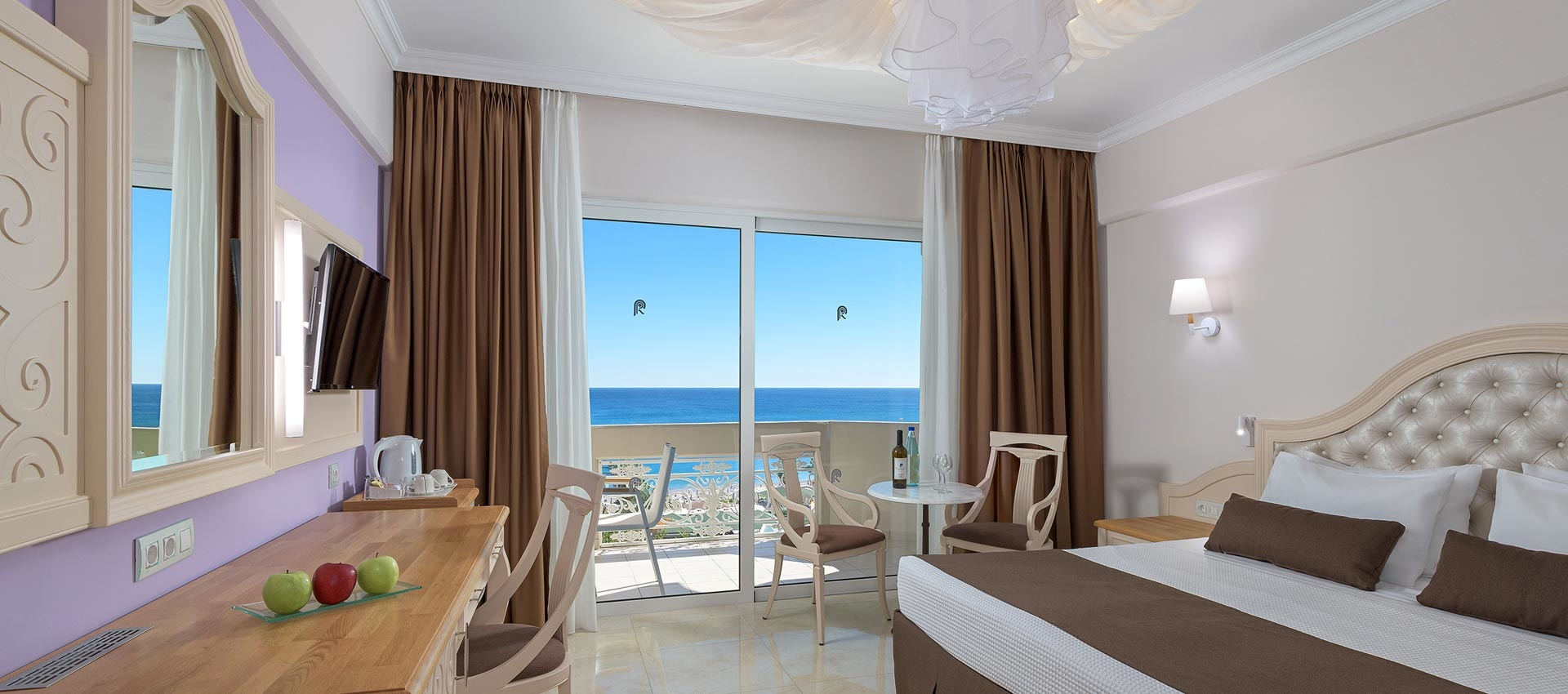 147_DELUXE_ROOM_SEAVIEW_WEB50
