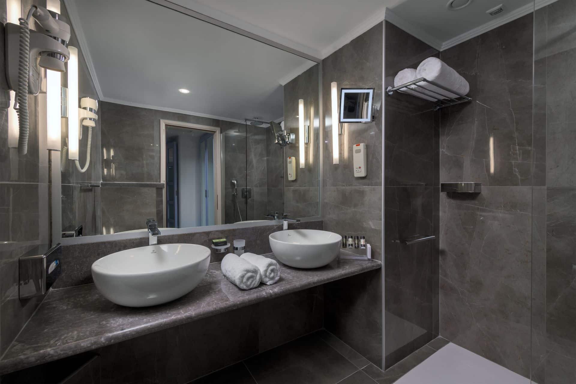 156_S_Bathroom_Rodos_Palladium_result